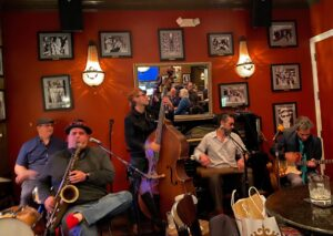 Live jazz music at 21st Amendment in New Orleans' Hotel Mazarin.