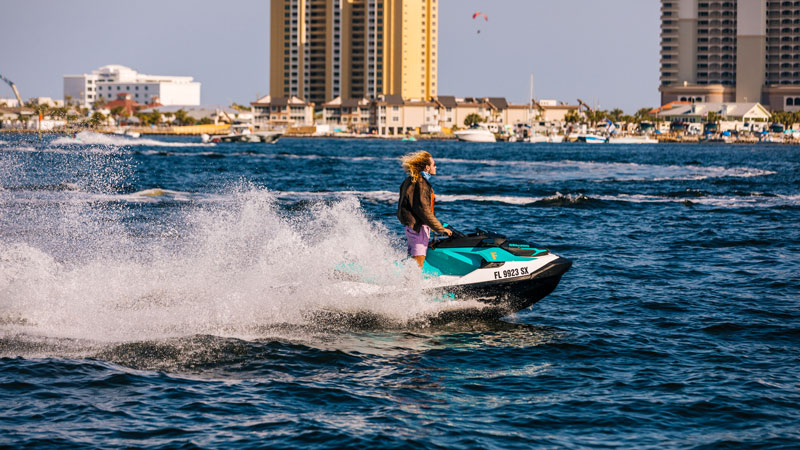 Pensacolabeach.com is a new website providing expert advice on places to stay, local dining options, and profiles on local personalities and key community members.